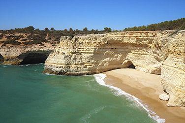 Vue sur plage d'Algarve
