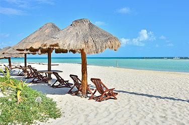 Vue sur une plage à Isla Mujeres, Cancún